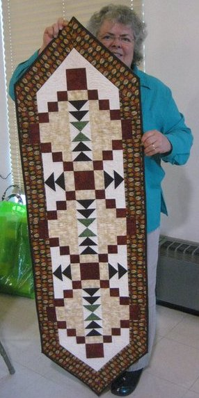 susan_shively_tablerunner